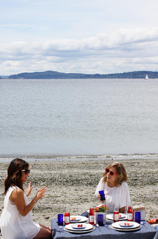 8A_4th-of-July-beach-picnic-vert