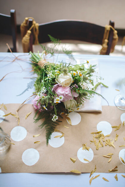 How to Make Easy Cheap Nice Table Runners for Your Next Party