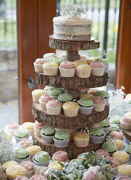 wedding trend cupcake tower