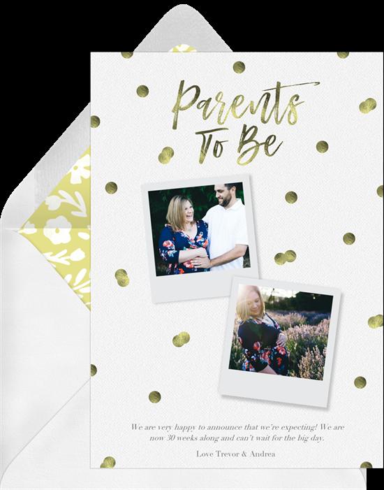 Pregnancy announcement ideas: a photo card